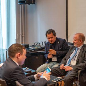 Хабиб Абдуллаев, директор СЭЗ «Навои» и Бодо Тенс, директор Commerzbank AG Узбекистан